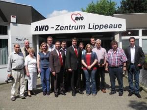 Der neu gewählte SPD-Stadtverbandsvorstand mit Bundestagskandidat Michael Thews (Mitte) an der Spitze