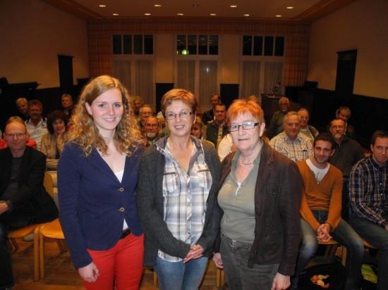 Renate Schmeltzer-Urban (Mitte) soll für den Kreistag kandidieren um die bisherigie Abgeordnete Brunhilde Weinhold (rechts) abzulösen. Nina Kotissek (links) soll Direktvertreterin werden
