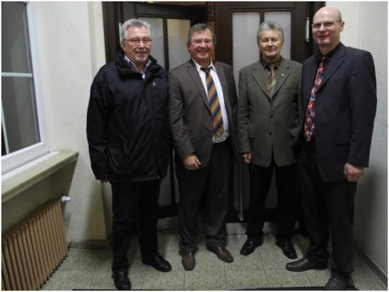 Vier Ortsvereinsvorsitzende auf einen Blick von links nach rechts: Klaus Steffenhagen (1982-1987), Udo Kath (1987-2003 und ab 2011), Karl-Heinz Fridriszik (1975-1980), Detlef Seiler (2003-2011).