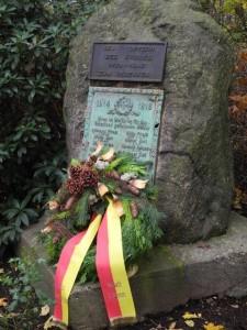 Kranz zum Gedenken in Beckinghausen am Ehrenmal