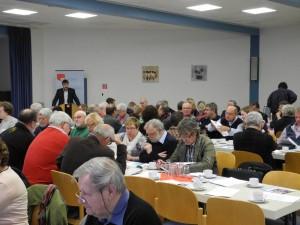 SPD-Stadtverbandsvorsitzender Michael Thews eröffnet den Parteitag