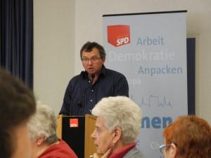 Udo Kath ging als Vorsitzender des SPD-Ortsvereins Lünen-Beckinghausen ans Rednerpult