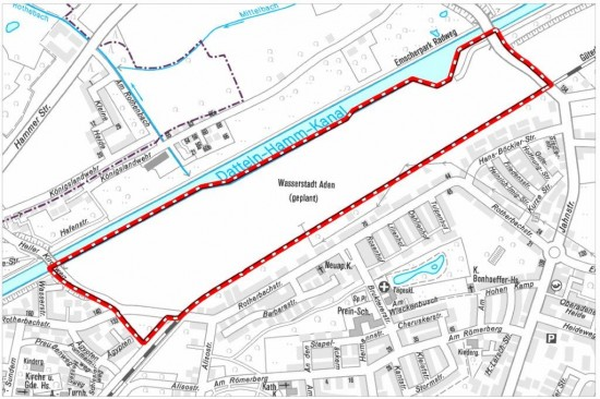 """Die Lüner Siedlung Kleine Heide befindet sich oberhalb der Wasserstadt. Das sogenannte """"Unterdorf"""" mit der freiwilligen Feuerwehr Beckinghausens befindet sich östlich vom Gelände."""
