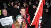 Auch die Jusos Lünen zeigen Flagge - hier Daniel Dauster, Nina Kotissek und Vorsitzender Daniel Wolski