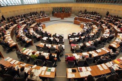 Blick in den Plenarsaal während der Sitzung - Quelle Bildarchiv des Landtags NRW