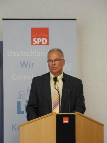 Bürgermeisterkandidat Rolf Möller hielt eine beeindruckende Rede