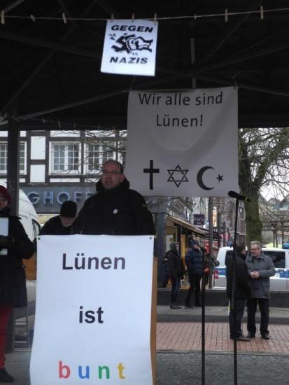 Gegen Rechts NRW-Arbeits- , Integrations- und Sozialminister Rainer Schmeltzer