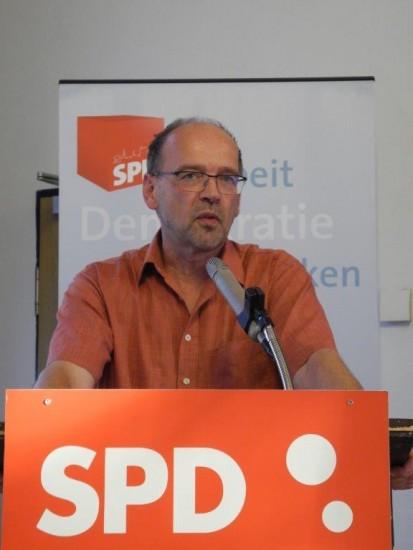 Am 14.05.2017 ist Landtagswahl - hierfür wurde bereits der Lüner Landtagsabgeordnete und Minister für Arbeit, Integration und Soziales, Rainer Schmeltzer, offiziell aufgestellt.
