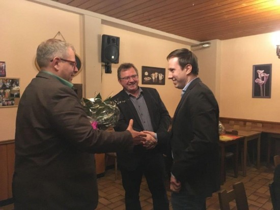Udo Kath und Sven Weber gratulieren Robert Schmidt zum Vorsitz des SPD OV Lünen-Beckinghausen